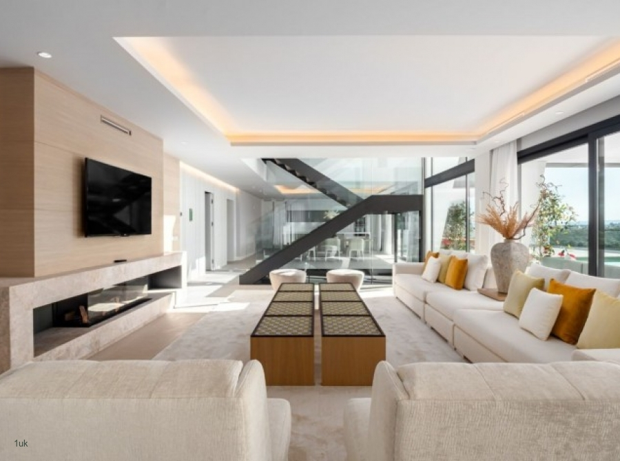 Seating area with television in the villa in Marbella