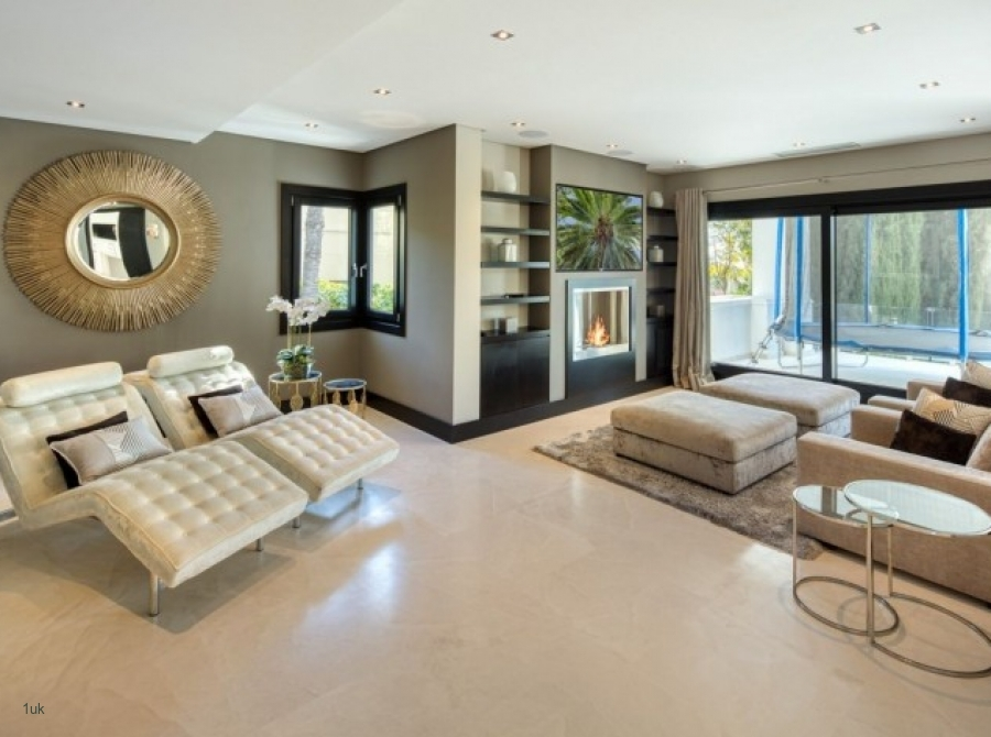Relaxing area within the family residence