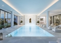 Large swimming pool with seating