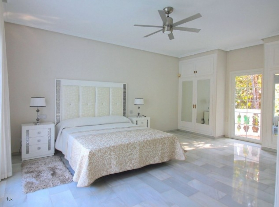 Newly Renovated Villa in Gated Community