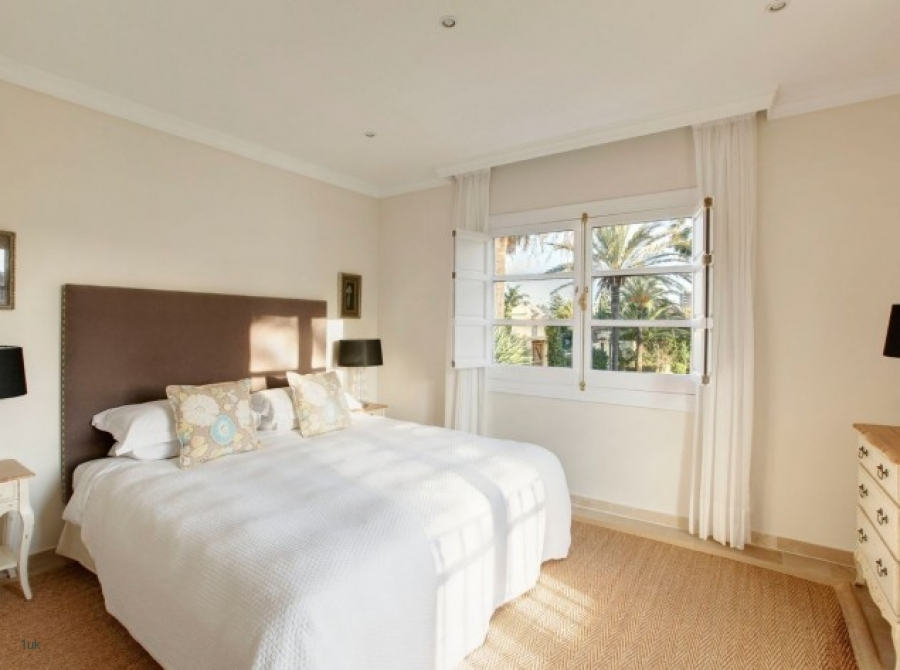 13-bedroom-guesthouse-vp--listing