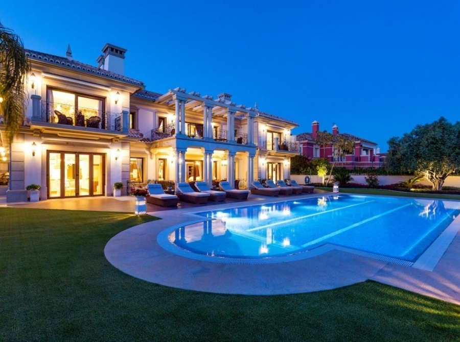 Night time look of magnificent villa exclusive in Sierra Blanca