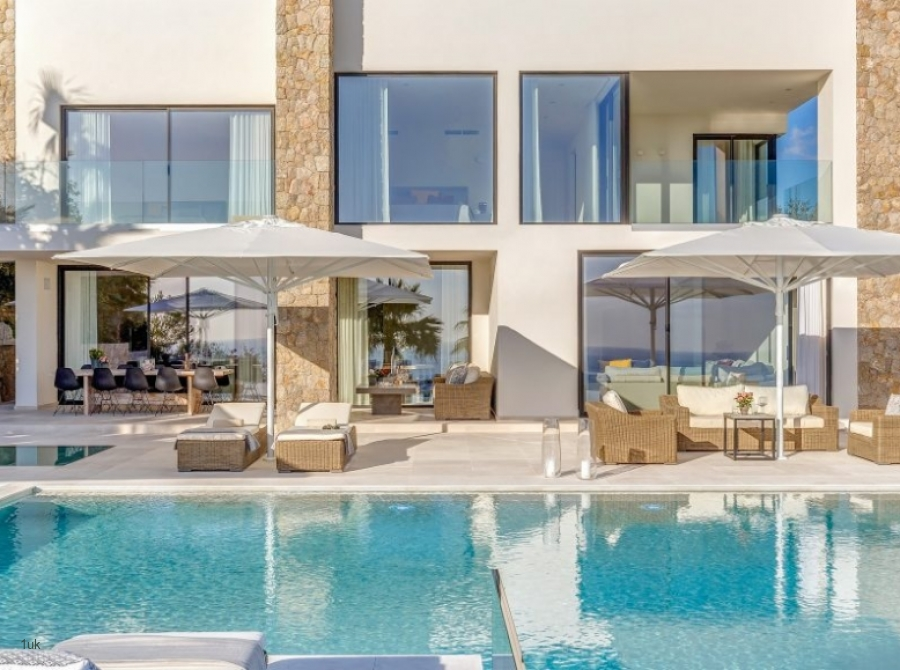 Anchorage Hill – High End Villa on top level